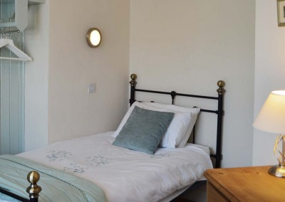 One of the comfortable single beds