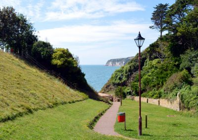 Footpath to Seaton beach