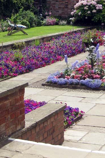 Photo: Connaught Gardens sunken garden